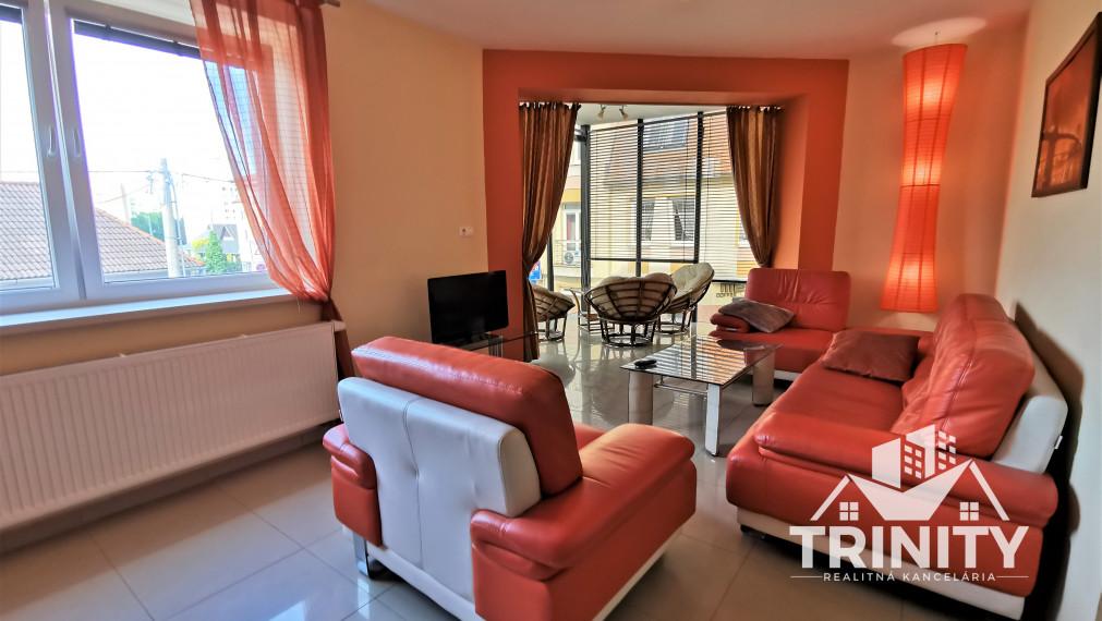 3-izbový byt s balkónom na prenájom pri centre - Nové Zámky