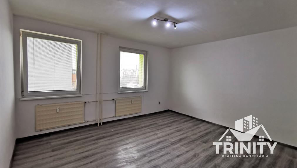 REZERVOVANÝ - Na prenájom 1 izbový byt na ul. Roľníckej v meste Nové Zámky