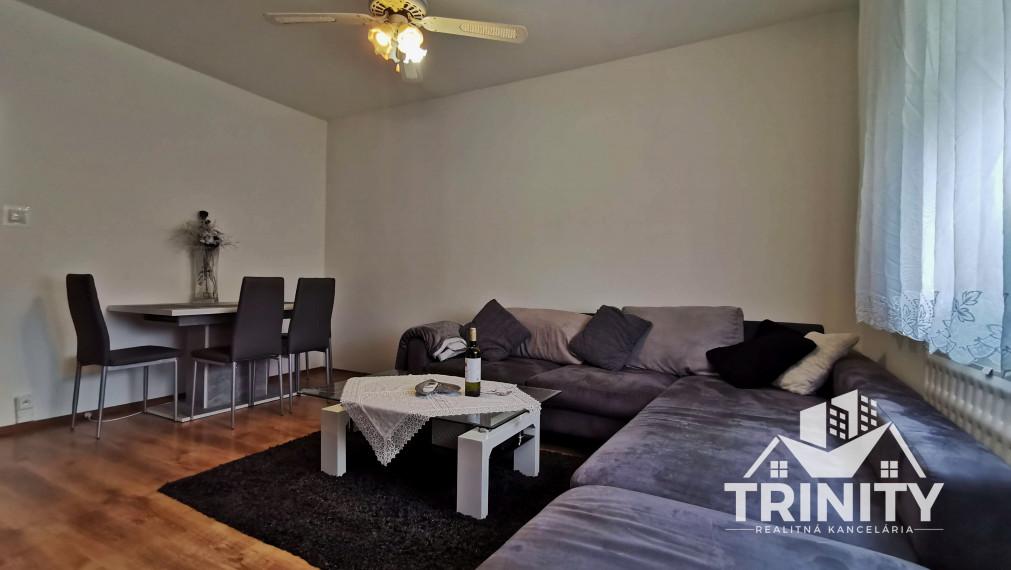 Priestranný a zariadený 3-izbový byt na PRENÁJOM v meste Nové Zámky